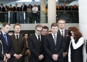 26F8F67F00000578-3010610-Lufthansa_employees_observe_a_minute_s_silence_in_Frankfurt_Germ-a-15_1427318131417