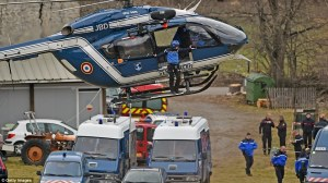26FC3C9400000578-3010610-Operation_Rescue_workers_and_gendarmerie_arrive_on_helicopter_as-a-26_1427318141592
