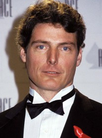 Christopher Reeve, sat on the other side of Dad, at a dinner party in NYC as he sat with Tiegs, during the party with Khashoggi